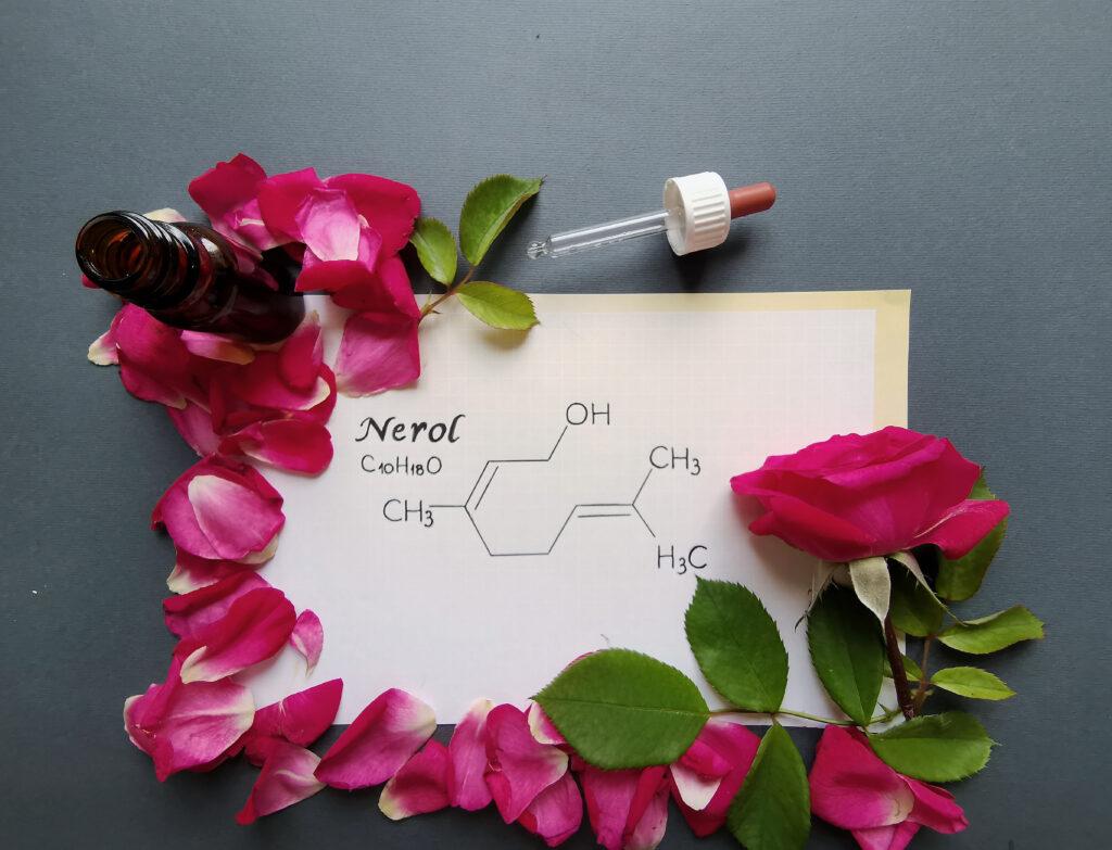 アロマ化学式